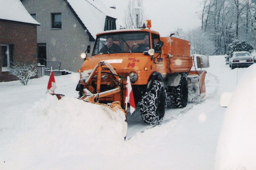 02 alter Unimog im Winter